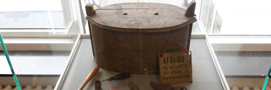 En tejne med indhold - fundet i Materialebankens gemmer