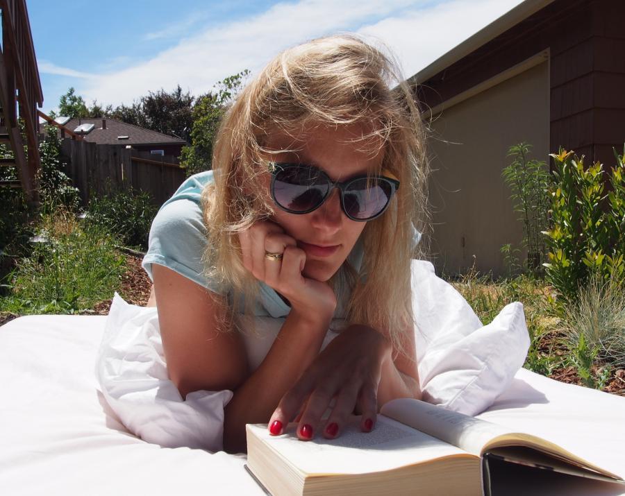 Sommerlæsning i haven